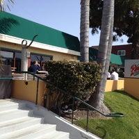2/29/2012 tarihinde DEE S.ziyaretçi tarafından Roberto's Very Mexican Food'de çekilen fotoğraf