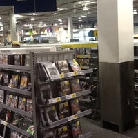 Photo taken at Best Buy by Vadim K. on 5/31/2012