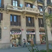 Foto tomada en Norma Cómics por Luis A. el 4/7/2012