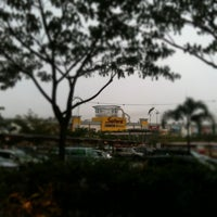 Photo taken at 皇廷足浴 Imperial by Pohui K. on 11/14/2011