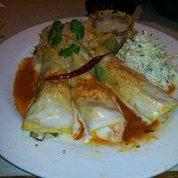 Foto tomada en La Parrilla Mexican Restaurant por Mr. H. el 1/26/2012