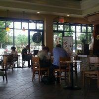 Снимок сделан в Starbucks пользователем Cheryl 6/26/2011