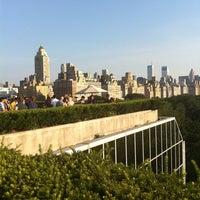 8/5/2011 tarihinde H H.ziyaretçi tarafından Iris & B Gerald Cantor Roof Garden'de çekilen fotoğraf