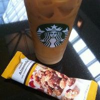 Foto scattata a Starbucks da Lucas B. il 9/13/2011