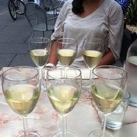 Foto tirada no(a) Vintage Wine Bar por Lindsay D. em 8/31/2011