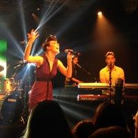5/24/2012 tarihinde iHeartRadioziyaretçi tarafından iHeartRadio Theater'de çekilen fotoğraf