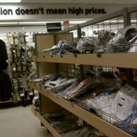 Das Foto wurde bei Marshalls von Roland L. am 1/21/2012 aufgenommen