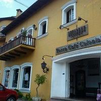Foto tirada no(a) Torre Café Colonial por Marcio K. em 11/6/2011