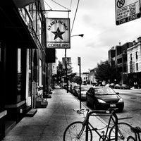 Das Foto wurde bei Dark Matter Coffee (Star Lounge Coffee Bar) von Metavurt am 6/19/2011 aufgenommen