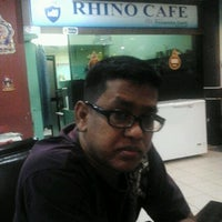 Photo taken at Rosetti Bar & Diner by Raymond L. on 10/10/2011