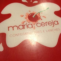 Foto tirada no(a) Maria Cereja por Gustavo M. em 5/22/2012