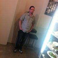 Foto tirada no(a) Adoro Cafe por Hans S. em 1/31/2012