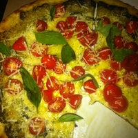 Photo taken at Milano Pizzeria by Celinho C. on 5/16/2012