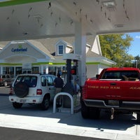 Photo taken at Cumberland Farms by !    R🐱n  Cossin™ 👈 on 9/3/2012