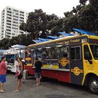 Photo taken at Santa Monica Food Truck Lot by roxan63 on 8/22/2012