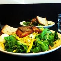 Das Foto wurde bei Sprout Cafe von Jenny B. am 5/27/2012 aufgenommen