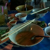 Photo taken at ข้าวต้มปลาลุงโย by LaPetiteMiae on 3/30/2012