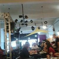 Photo taken at Flashback Chopperia & Restaurante by Marcelo F. on 4/28/2012