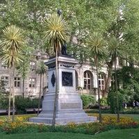 Photo prise au Whitehall Gardens par languageblock le8/16/2012