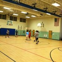 6/26/2012 tarihinde Velan T.ziyaretçi tarafından Thoreau Middle School'de çekilen fotoğraf