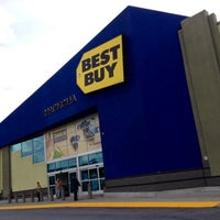 Photo taken at Best Buy by Bil B. on 4/11/2012