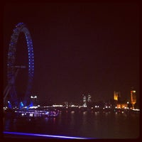 Photo taken at Hungerford & Golden Jubilee Bridges by Mart Gil on 8/9/2012