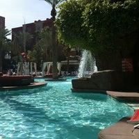 4/19/2012 tarihinde Erica E.ziyaretçi tarafından Flamingo GO Pool'de çekilen fotoğraf