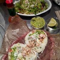 7/17/2012 tarihinde SoyeonKimberly K.ziyaretçi tarafından Chipotle Mexican Grill'de çekilen fotoğraf