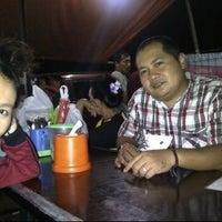 Photo taken at Pondok Bakmi Surabaya by Livonia N. on 6/1/2012