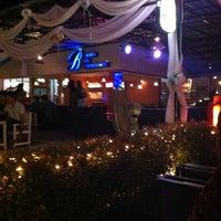 Photo taken at Malibu Bar&Restaurant by 💓n~o~o~p~u~y💓 on 3/25/2012