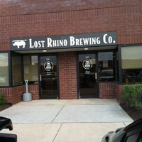 4/25/2012にPat B.がLost Rhino Brewing Companyで撮った写真