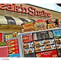 Das Foto wurde bei Steak 'n Shake von Joe P. am 5/6/2012 aufgenommen