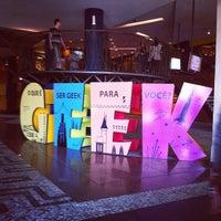 Photo taken at Geek.Etc.Br by Joyce B. on 8/24/2012