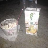 Photo taken at YOGU Premium Frozen Yogurt by Christiana on 7/14/2012