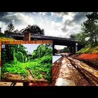 9/8/2012 tarihinde Angel P.ziyaretçi tarafından Atlanta BeltLine Corridor under Highland Ave.'de çekilen fotoğraf