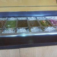 Foto tirada no(a) Mikasa Restaurant por Jennifer H. em 3/22/2012