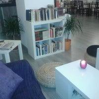 Foto tomada en Que viene el lobo! Café-taller por Gema E. el 8/18/2012