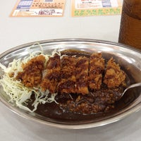 Photo taken at Gold Curry by 7番目の木 on 4/25/2012