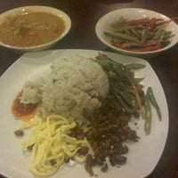Photo taken at @JamboAceh Cuisine by Satria H. on 2/17/2012