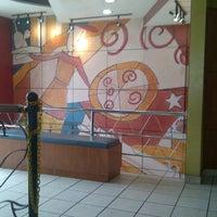 Photo taken at Pizza Hut by Dimas B. on 8/1/2012