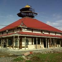 Photo taken at masjid BUYA HAMKA by Erlangga W. on 7/24/2012
