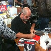 Снимок сделан в Floating World Comics пользователем Shannon S. 8/3/2012