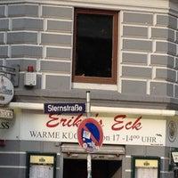 Das Foto wurde bei Erika's Eck von Cristina L. am 5/15/2012 aufgenommen
