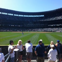 Foto tirada no(a) The 'Pen at Safeco Field por Katie V. em 8/15/2012