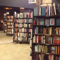 Foto tirada no(a) The Last Bookstore por Beth M. em 9/9/2012