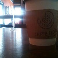 Das Foto wurde bei Caffe Fiore von Sid B. am 7/1/2012 aufgenommen