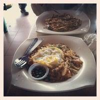 Foto tirada no(a) Matt Cafe por Mohd Naqiuddin I. em 4/1/2012
