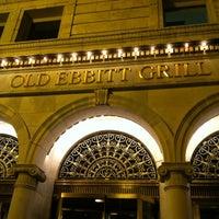 Foto scattata a Old Ebbitt Grill da Brandice E. il 3/24/2012