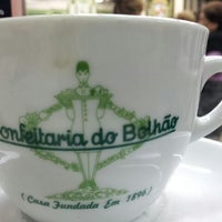 Photo taken at Confeitaria do Bolhão by Angel d. on 8/25/2012