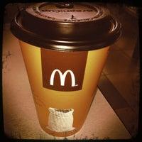 Foto diambil di McDonald's oleh Roberto G. pada 2/10/2012